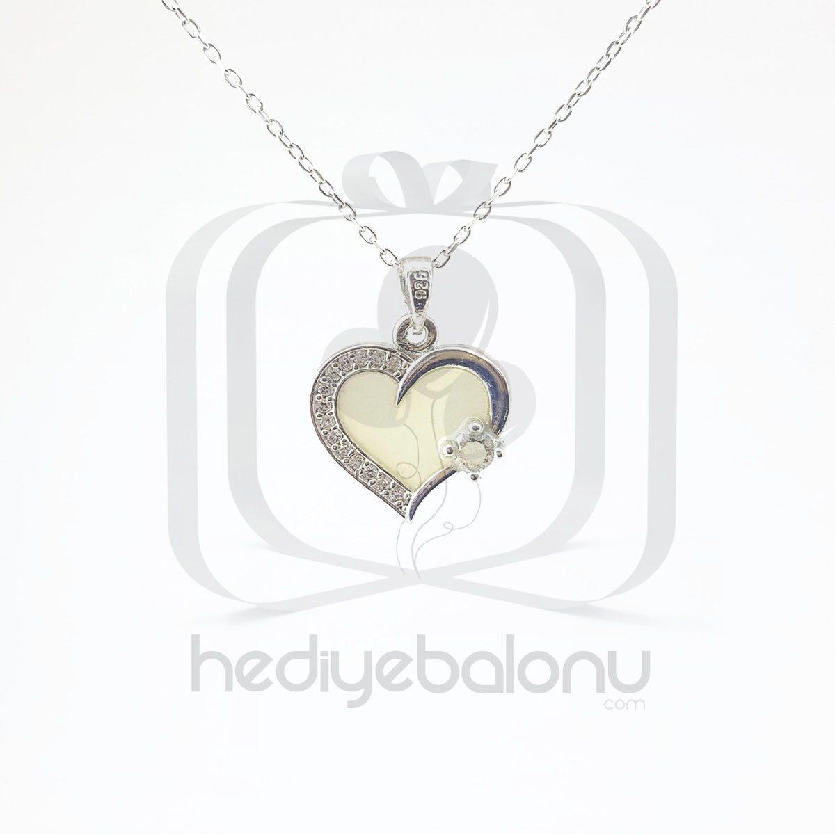 Karanlıkta Parlayan 925 Ayar Gümüş Neon Taşlı Kalp Kolye